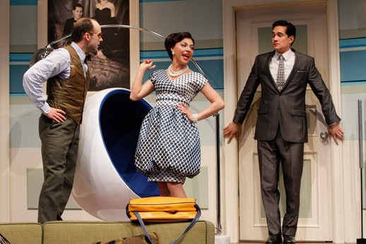 Hell hath no fury like an Italian woman scorn (Boeing Boeing at Seattle Repertory Theatre)